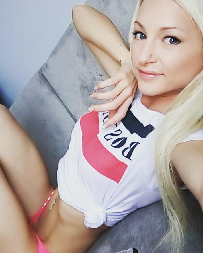 Chloe Devine